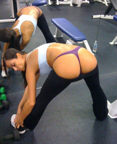 randomfunnypics_shes_exercising_640_01